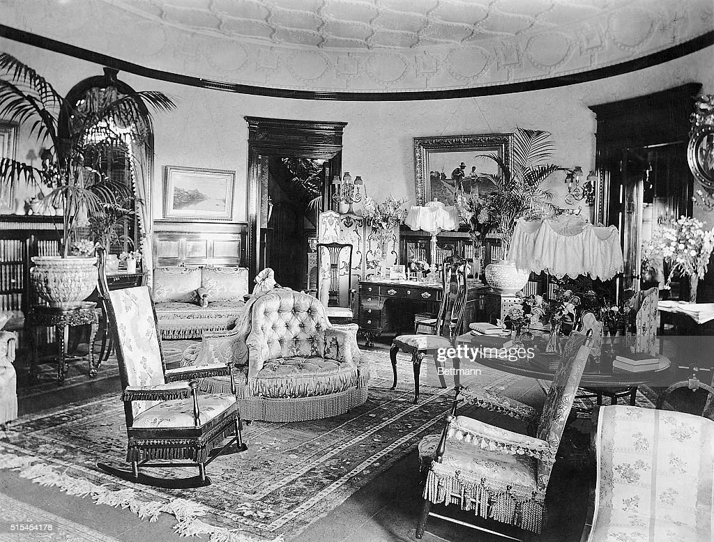 American Living Room- Victorian Pictures | Getty Images