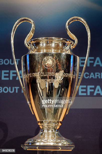 A photo taken on December 18 2009 in Nyon shows the UEFA Champions League Trophy during the draw AFP PHOTO / PHILIPPE MERLE