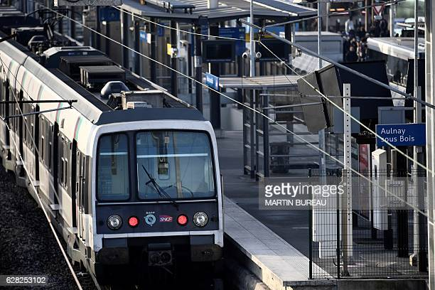 A photo taken on December 7 2016 shows a train at the station platform of AulnaysousBois near Paris after the traffic was interupted following a...