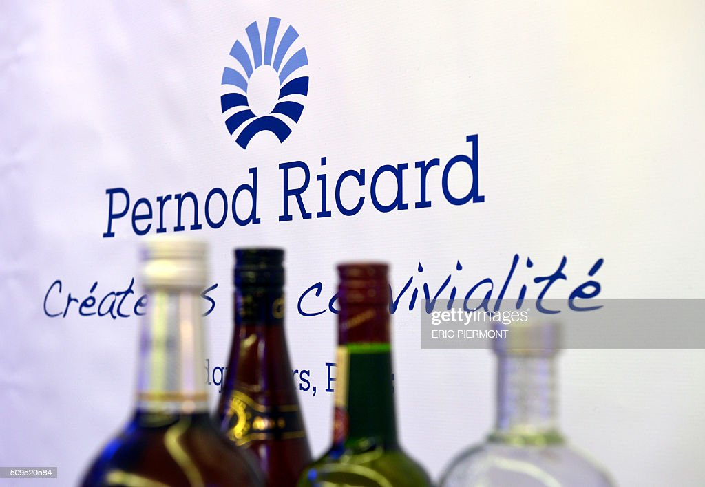 A photo taken on February 11, 2016 shows the logo of French distilled beverage company Pernod Ricard during a presentation the group's half-year 2015/16 results at the group's headquarters in Paris. / AFP / ERIC PIERMONT