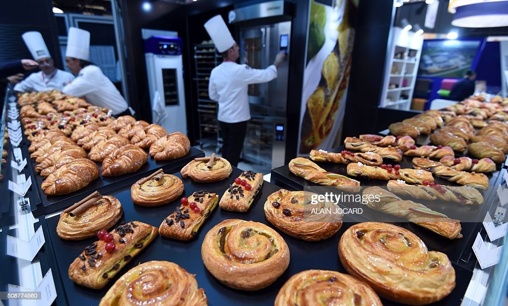 A photo taken on January 6, 2016 shows pastry at the 'Bridor' stand, during the Europain fair, on February 6, 2016, in Villepinte near Paris. / AFP / ALAIN JOCARD