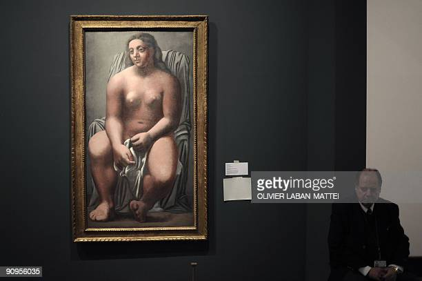 Photo taken on September 18 2009 shows a painting by Spanish artist Pablo Picasso 'Grande Baigneuse' during the exhibition 'Renoir au XXe siècle'...