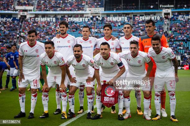 Photo team of Toluca during the 4th round match between Cruz Azul and Chivas as part of the Torneo Apertura 2017 Liga MX at Azul Stadium on August 12...