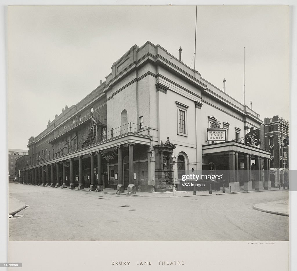 Drury Lane Theatre, late 19th-early 20th century. : News Photo