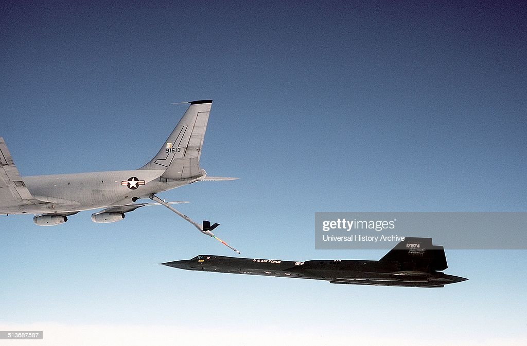 Photograph of a Boeing KC135Q Stratotanker refuelling an Lockheed SR71 Dated 1983