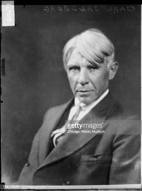 carl sandburg Carl sandburg was born in galesburg, illinois on january 6, 1878 he lived to become a pulitzer prize winning poet and biographer.