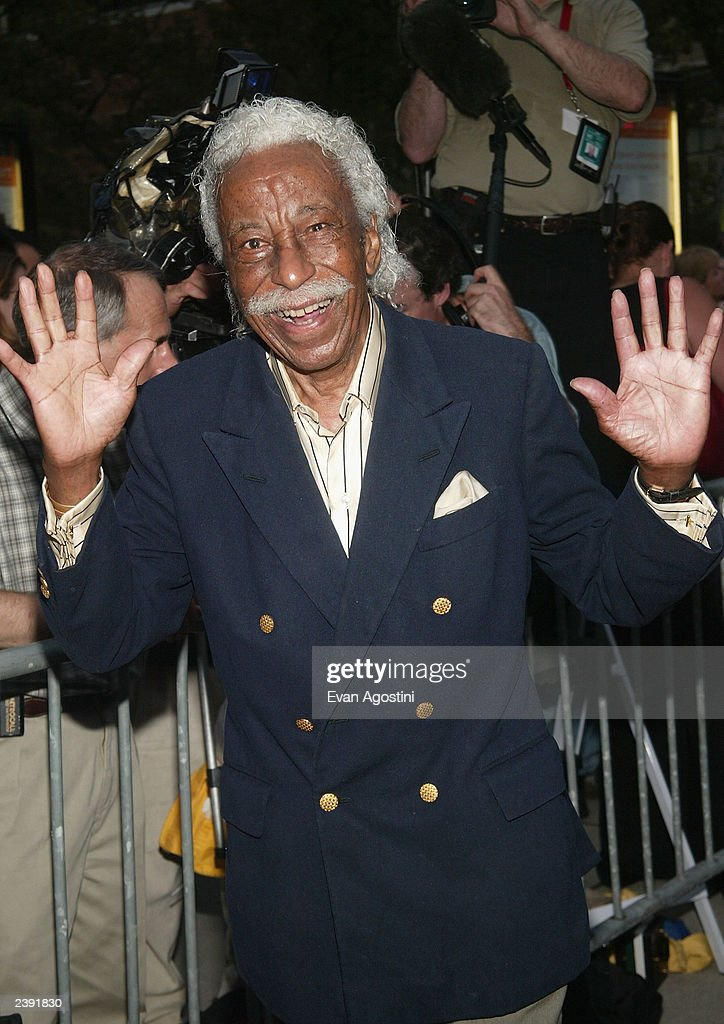 Photographer Gordon Parks arrives at the 60th Anniversary of 'Casablanca' gala tribute screening and DVD release event at Alice Tully Hall, Lincoln Center on August 11, 2003 in New York City.