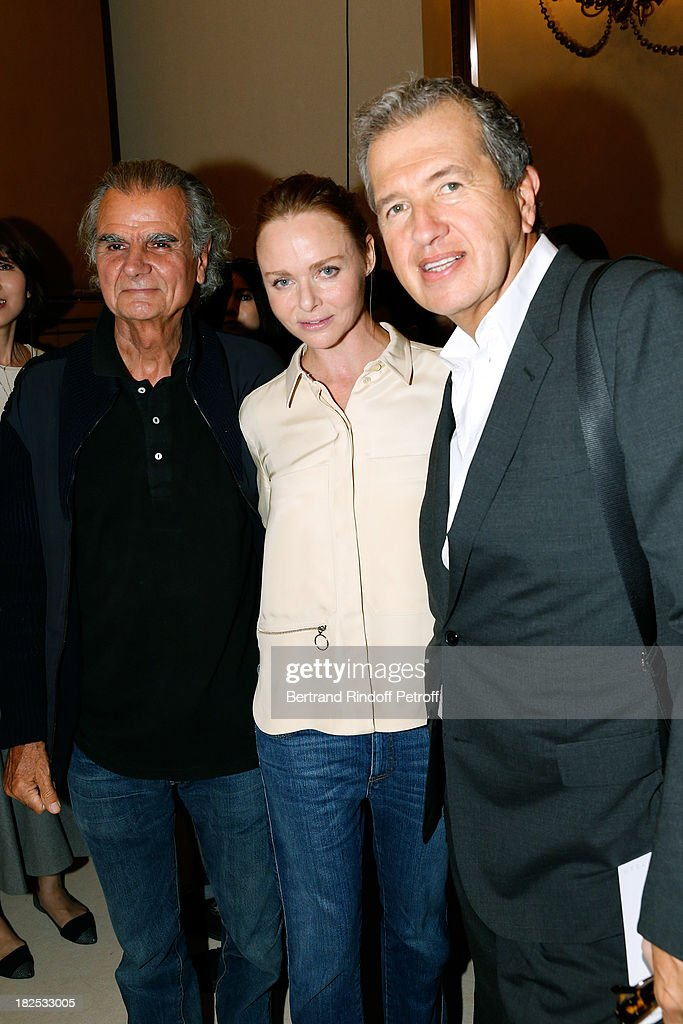 Photographer <a gi-track='captionPersonalityLinkClicked' href=/galleries/search?phrase=Patrick+Demarchelier&family=editorial&specificpeople=2118326 ng-click='$event.stopPropagation()'>Patrick Demarchelier</a>, fashion designer Stella McCartney and photographer <a gi-track='captionPersonalityLinkClicked' href=/galleries/search?phrase=Mario+Testino&family=editorial&specificpeople=203087 ng-click='$event.stopPropagation()'>Mario Testino</a> after the Stella McCartney show as part of the Paris Fashion Week Womenswear Spring/Summer 2014, held at Opera Garnier on September 30, 2013 in Paris, France.