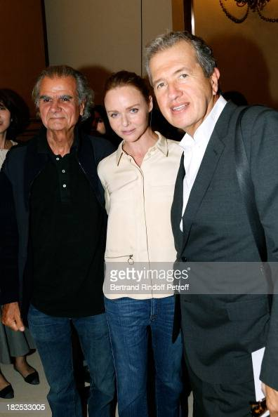 Photographer Patrick Demarchelier fashion designer Stella McCartney and photographer Mario Testino after the Stella McCartney show as part of the...