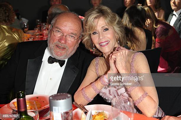 Photographer Peter Lindbergh and Jane Fonda attend amfAR's 21st Cinema Against AIDS Gala Presented By WORLDVIEW BOLD FILMS and BVLGARI at Hotel du...