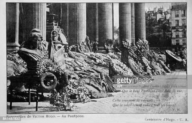 Photographie des funérailles de Victor Hugo au Panthéon le premier juin 1885 à Paris France