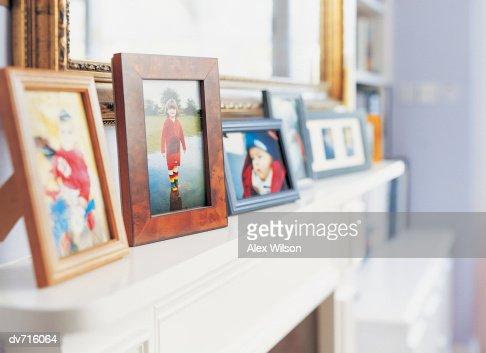 Photographs on a Mantelpiece : Foto de stock