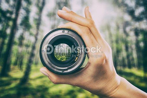 写真のカメラのレンズのコンセプトです。 : ストックフォト