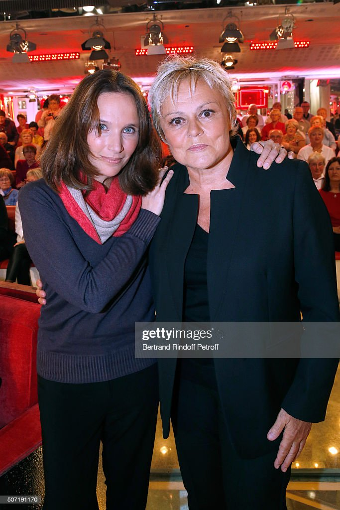 Pianist Helene Grimaud and Humorist Muriel Robin attend the 'Vivement Dimanche' French TV Show at Pavillon Gabriel on January 27 2016 in Paris France