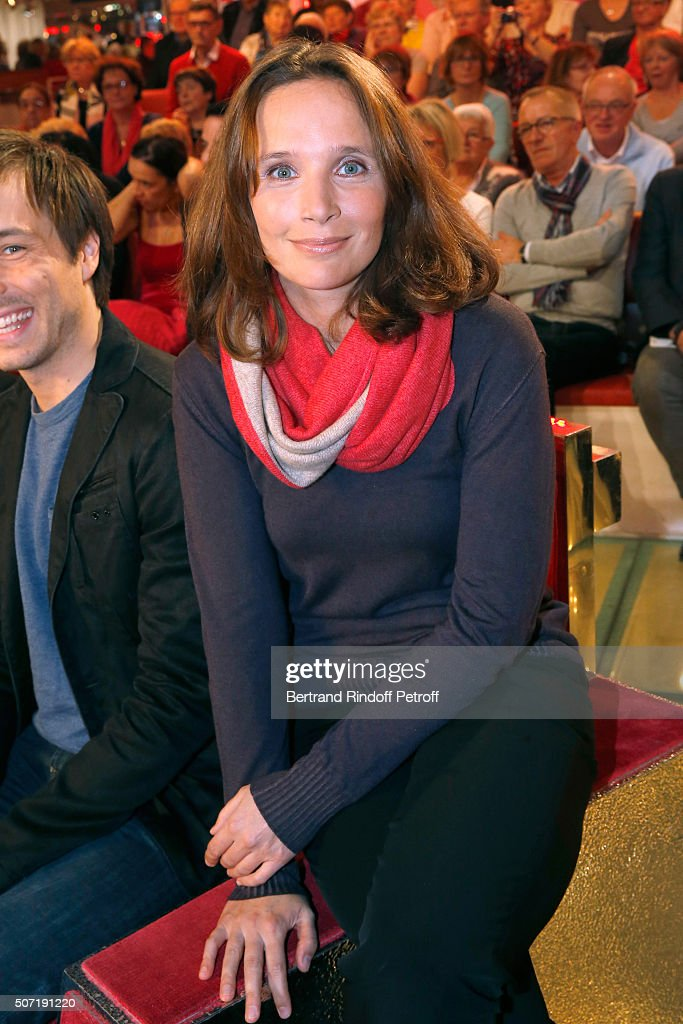 Pianist Helene Grimaud presents her Album 'Water' during the 'Vivement Dimanche' French TV Show at Pavillon Gabriel on January 27, 2016 in Paris, France.