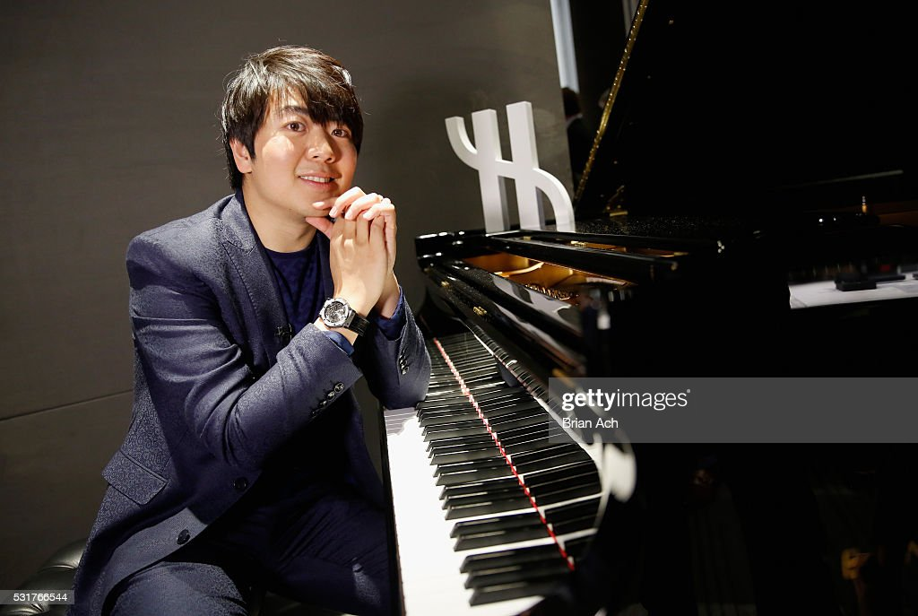 Pianist <a gi-track='captionPersonalityLinkClicked' href=/galleries/search?phrase=Lang+Lang&family=editorial&specificpeople=589153 ng-click='$event.stopPropagation()'>Lang Lang</a> perfoms for an exclusive charity event at Hublot Fifth Avenue Boutique on May 16, 2016 in New York City.