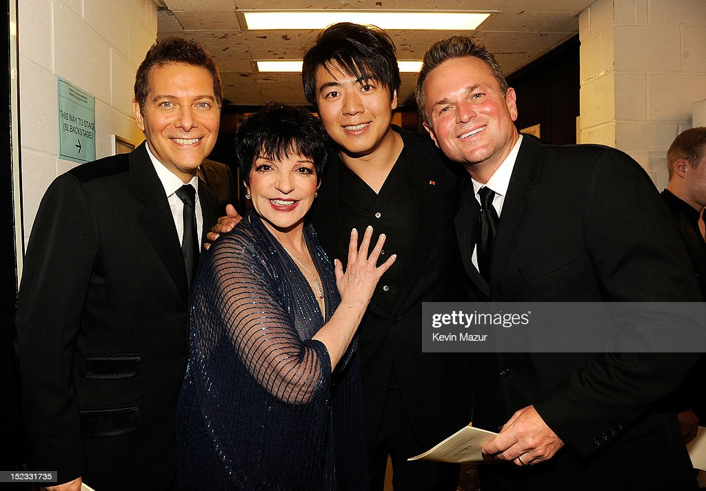Pianist <a gi-track='captionPersonalityLinkClicked' href=/galleries/search?phrase=Michael+Feinstein&family=editorial&specificpeople=215225 ng-click='$event.stopPropagation()'>Michael Feinstein</a>, singer <a gi-track='captionPersonalityLinkClicked' href=/galleries/search?phrase=Liza+Minnelli&family=editorial&specificpeople=121547 ng-click='$event.stopPropagation()'>Liza Minnelli</a>, pianist <a gi-track='captionPersonalityLinkClicked' href=/galleries/search?phrase=Lang+Lang&family=editorial&specificpeople=589153 ng-click='$event.stopPropagation()'>Lang Lang</a>, and guest pose backstage at the memorial of Marvin Hamlisch at Peter Jay Sharp Theater on September 18, 2012 in New York City.