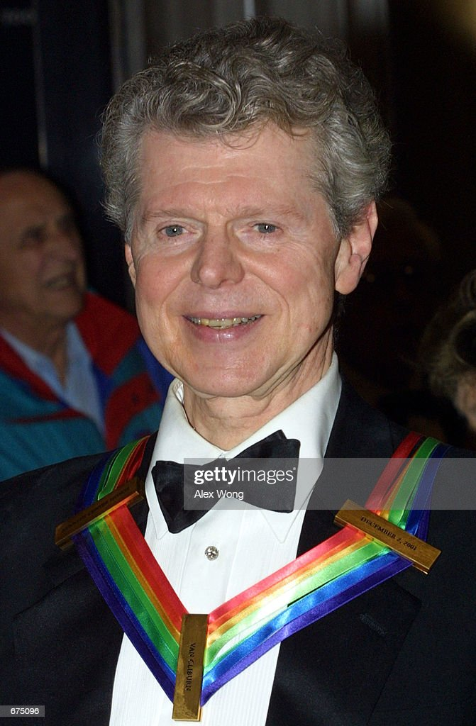Pianist Van Cliburn arrives at the annual Kennedy Center Honors Gala December 2 2001 at the Kennedy Center in Washington DC Cliburn is one of the...