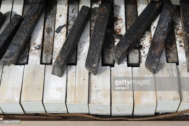 ピアノキークローズアップ、放棄とが壊れています。