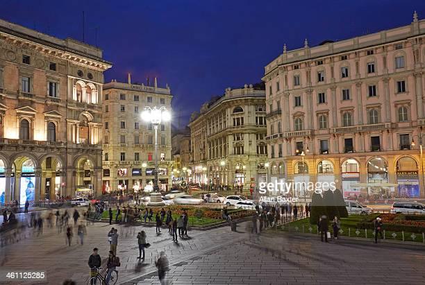 Piazza de Duomo in central Milan at night