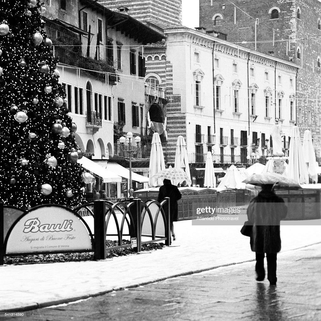 Keywords. Casa Di Giulietta · Celebration · Christmas · Christmas Tree ...