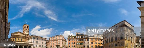 Piazza di Santa Maria, Trastevere, Roma