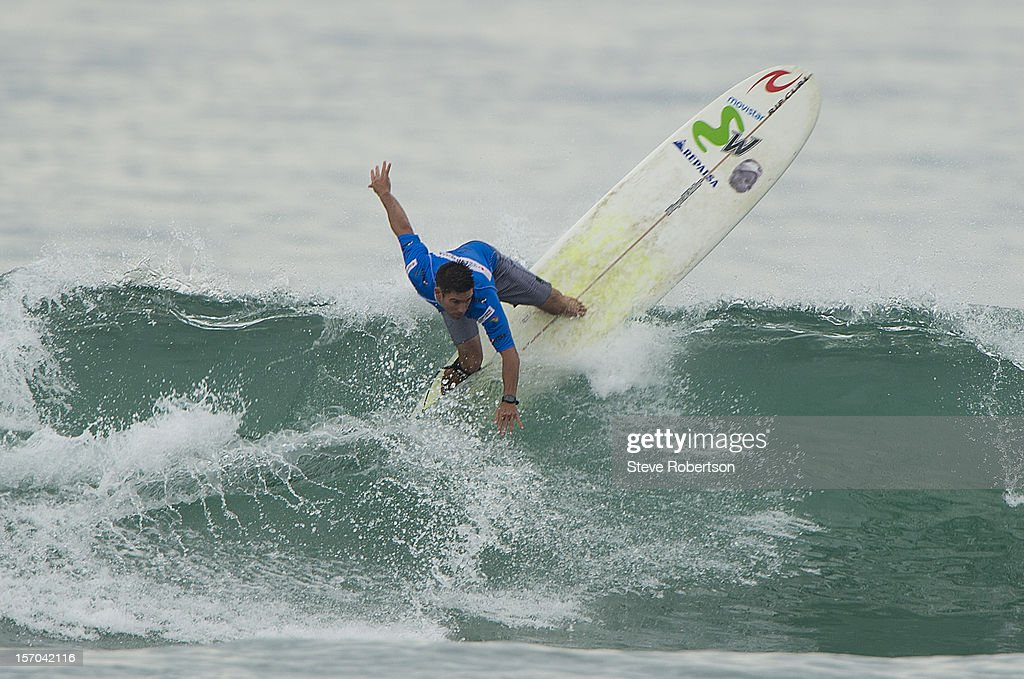Piccolo Clemente of Peru competes in the round three heat during the CITIC PACIFIC Shenzhou Peninsula Pro on November 28, 2012 in Hainan Island, China.