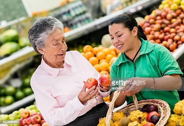 Picking up apples