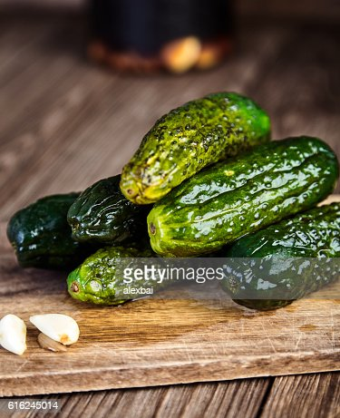 Pickled cucumbers in soy sauce and rice vinegar : Foto de stock