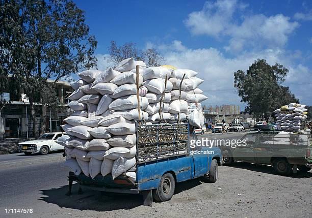 pickup truck con sobrecarga