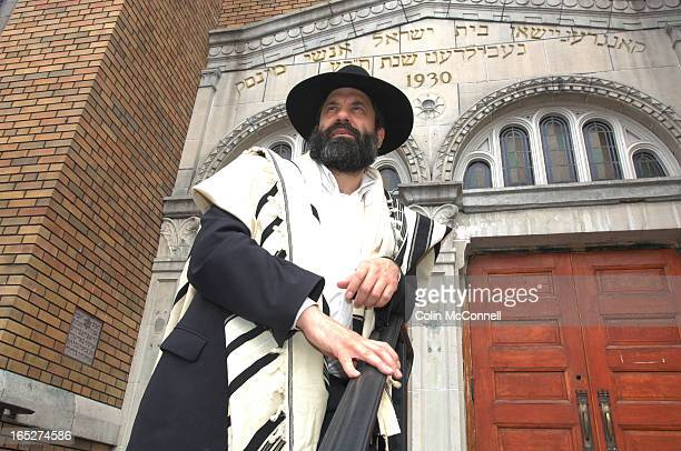 08//29/06 pics of rabbi shmuel spero for anshei minsk an old orthodox synagogue in kensington market inside and outside for a profile