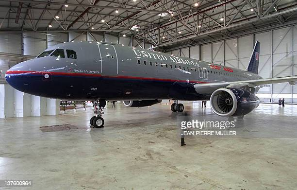 Picture dated 20 January 1995 of the 500th Airbus A320 model to be delivered to the american company United Airlines in the buildings of Aerospatiale...