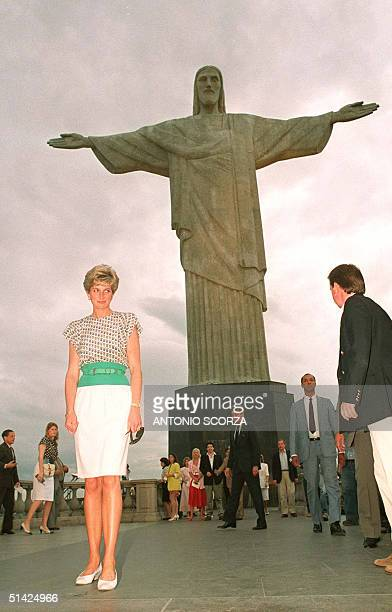 Picture dated 25 April 1991 of Princess Diana posing for photographers next to the monument of Christ the Redeemer in Rio de Janeiro Diana Princess...