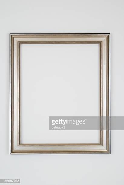 画像フレームでシンプルなシルバー、スタジオショットで白