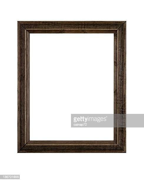 Cadre photo en bois brun rustique irrégulier, isolé blanc