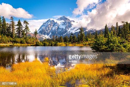 Picture lake mt.shuksan in fall colors,WA : Stock Photo