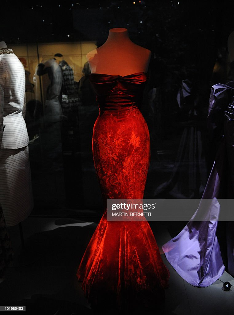 Picture of a rayon velvet acetate evening gown that belonged to Marilyn Monroe taken at the Museum of Fashion in Santiago on October 8 2008 The...