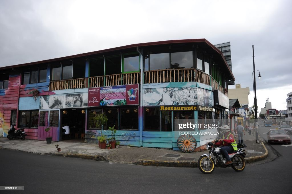 Picture of a restaurant along Colon Avenue in downtown San Jose, Costa Rica, taken on November 8, 2012. AFP PHOTO/Rodrigo ARANGUA /