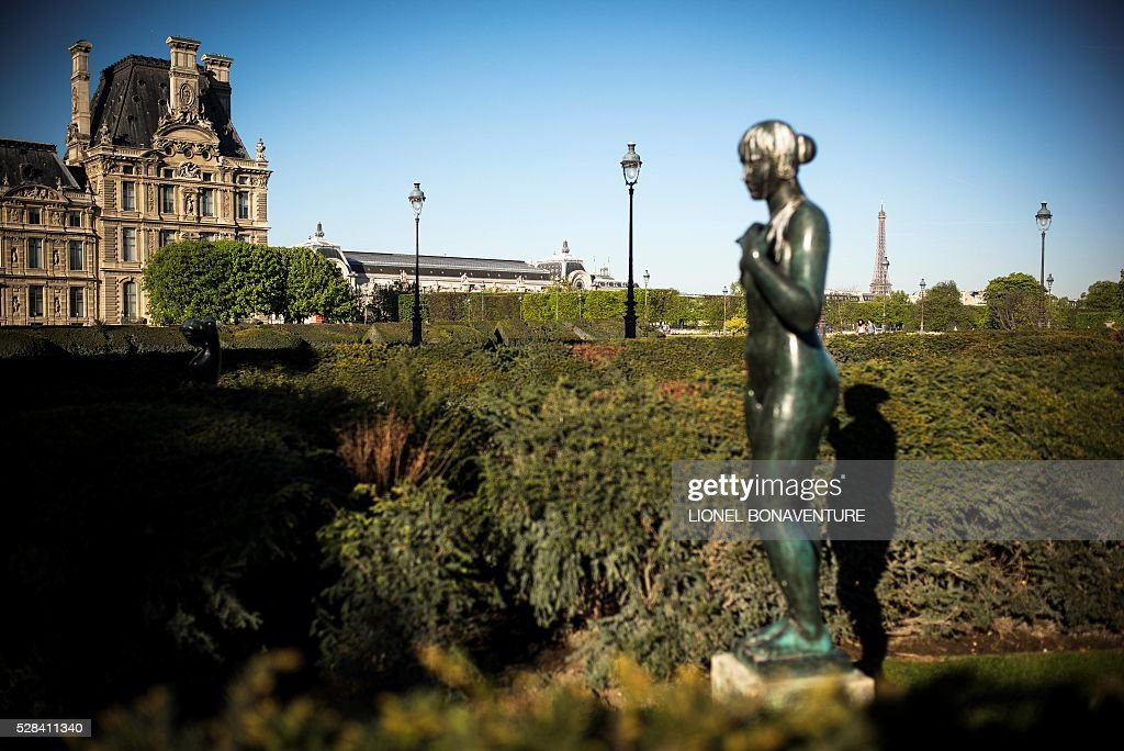 Picture of a statue of the Tuileries garden taken on May 5, 2016 in Paris. / AFP / LIONEL