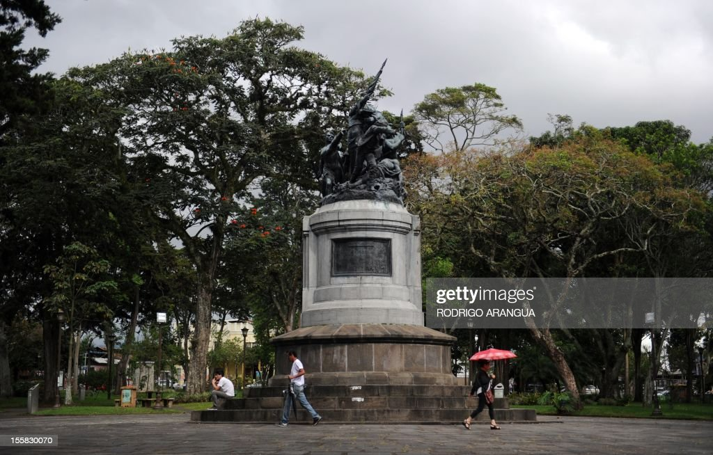 Picture of the Central Park in downtown San Jose, Costa Rica, taken on November 8, 2012. AFP PHOTO/Rodrigo ARANGUA /