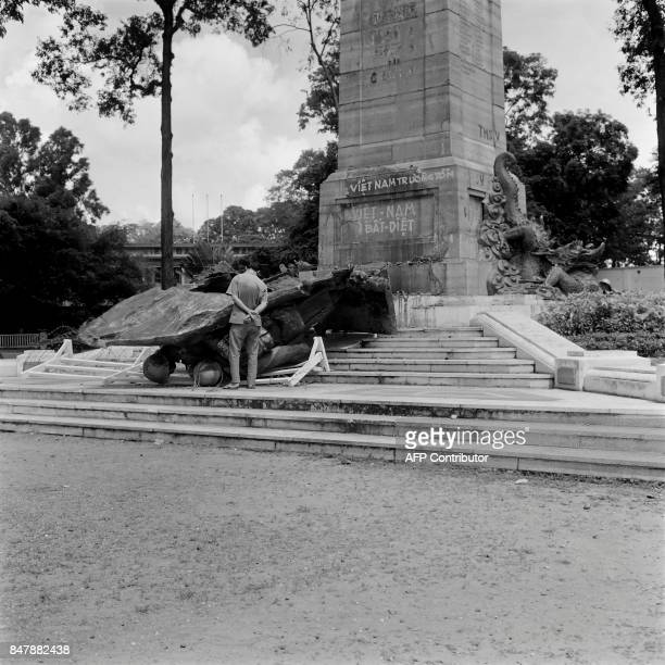 Picture released on Août 8 1964 in Saigon of the French and Vietnamese war memorial first desecrated after a demonstration against the Geneva...
