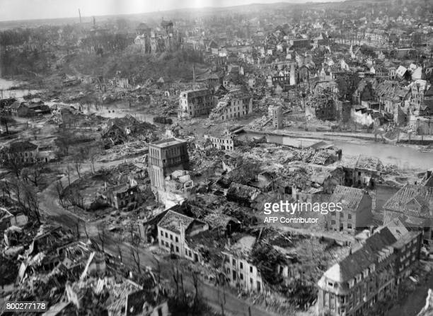 Picture released on February 1945 of the wrecked German town of Cleves after Royal Air Force bombings during the Second World War / AFP PHOTO / Royal...