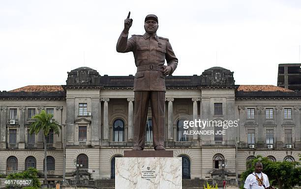 A picture shows a statue of Mozambique's first president Samora Moises Machel in Maputo on January 11 2014 Machel was Mozambique's first president...