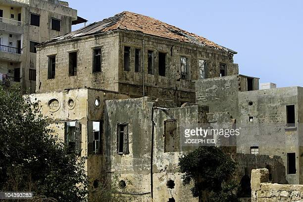 MOUSSAOUI A picture shows an abandonned old house in Beirut on September 19 2010 AFP PHOTO/JOSEPH EID