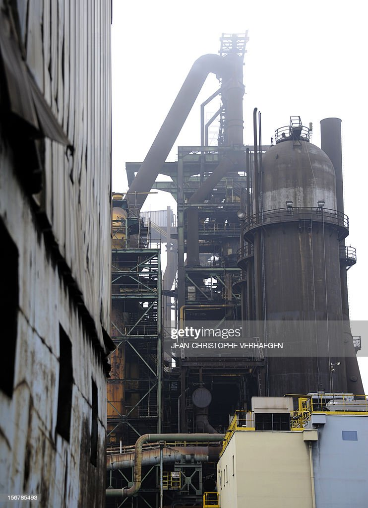 A picture shows blast furnaces of steel giant at ArcelorMittal's Florange site in Hayange, eastern France, on November 20, 2012. ArcelorMittal's management said on November 19, 2012 that the 'situation is even more sluggish in 2013 than in 2012' for some of its activities during an Extraordinary Central Works Council which concluded without providing informations about potential buyers. AFP PHOTO / JEAN-CHRISTOPHE VERHAEGEN