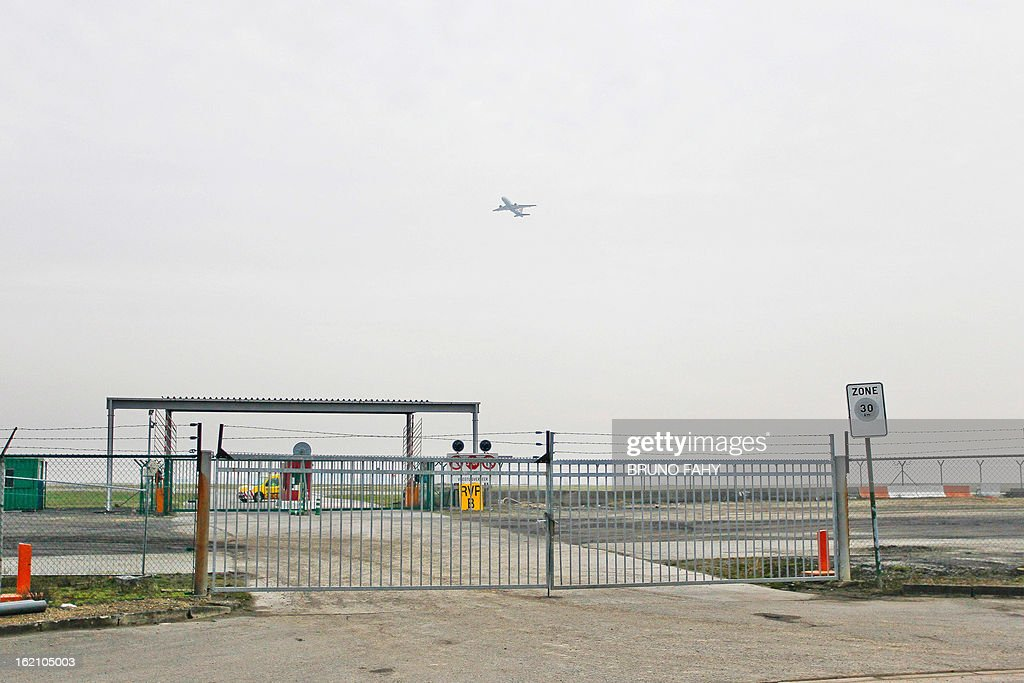 A picture shows fences surrouding Bussels international airport in Zaventem on February 19, 2013. Armed robbers made off with $50 million worth of diamonds in a massive heist at Brussels airport, the global dealers syndicate in Antwerp told AFP on February 19, 2013. The robbery was 'one of the biggest' ever, a spokeswoman for the Antwerp World Diamond Centre said, adding that the diamonds were 'rough stones' being transported from Antwerp to Zurich. AFP PHOTO / BELGA - BRUNO FAHY