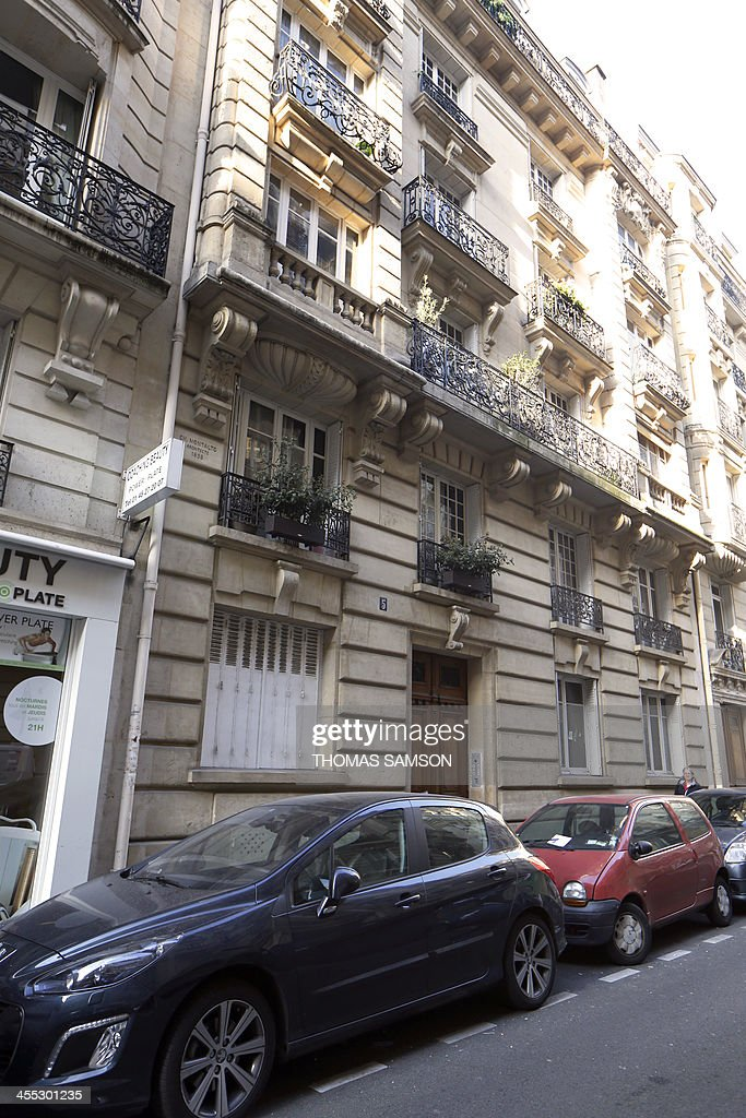 A picture shows the building where lived late British photographer Kate Barry on December 12, 2013 in Paris. Barry, daughter of singer-actress Jane Birkin, died on December 11, 2013 after falling from the fourth floor of her Paris apartment building, informed sources said, confirming a media report.
