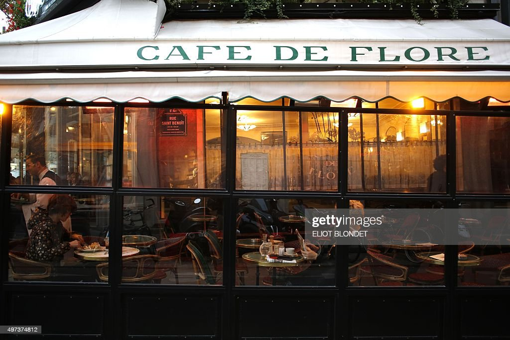 A picture shows the French cafe 'Cafe de flore' at the SaintGermaindesPres district in Paris on November 16 2015 AFP PHOTO / ELIOT BLONDET
