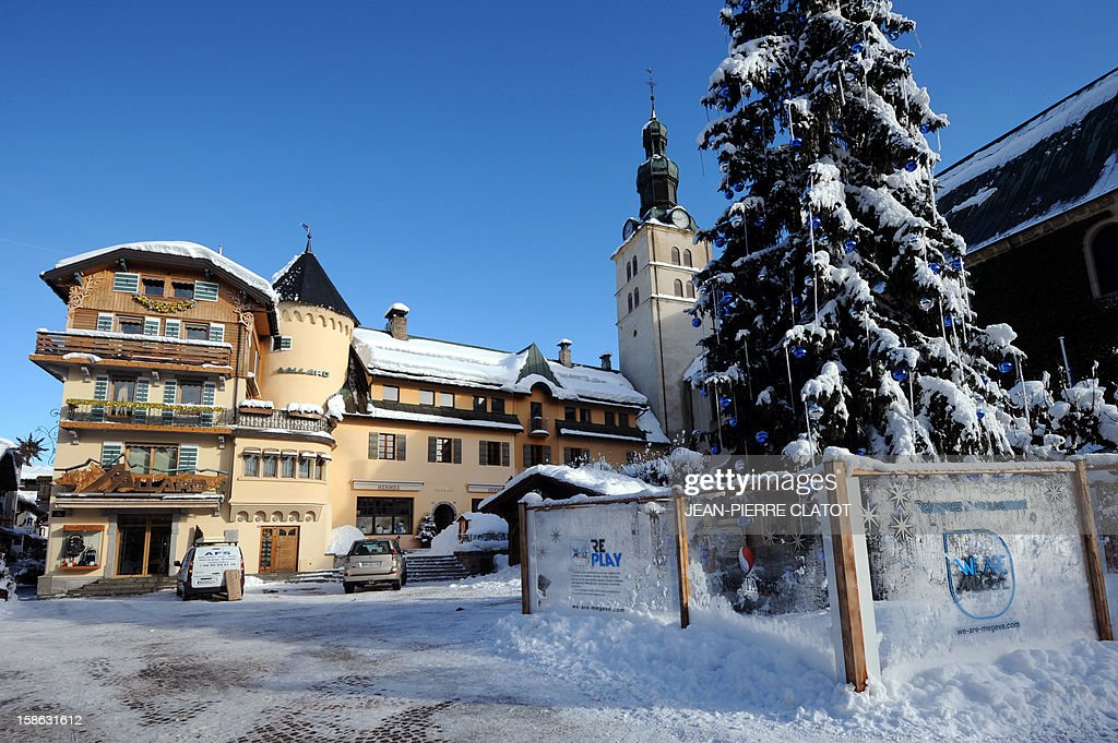 EMONET - A picture shows the Maison Allard luxury store on December 19, 2012 in the French luxury ski ressort of Megeve, French Alps. The Maison Allard created the stretch ski pants (fuseau). AFP PHOTO / JEAN-PIERRE CLATOT