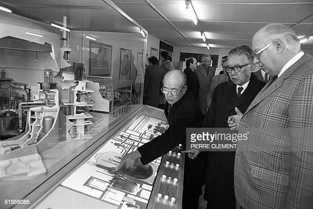 Picture taken 09 December 1980 in CreysMalville south of France of CEO of Honda Japanese Soichiro Honda discusssing with French representative Michel...